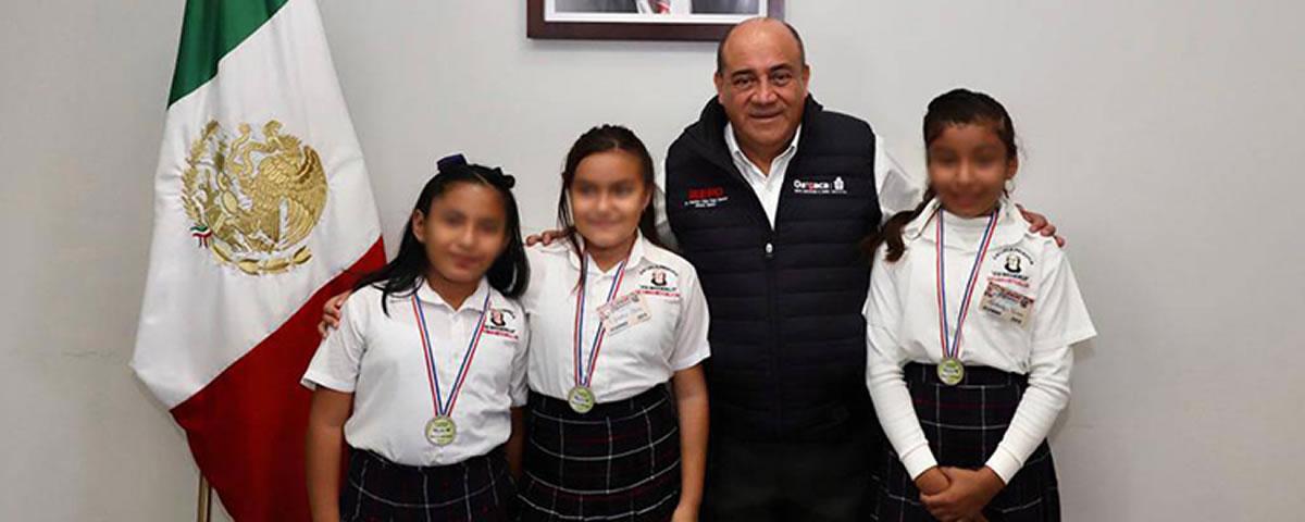 Alumnos de Tehuantepec, Oaxaca ganan concurso enParaguay